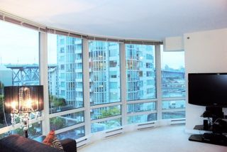 "Photo 7: 808 1500 HORNBY Street in Vancouver: Yaletown Condo for sale in ""888 BEACH"" (Vancouver West)  : MLS®# R2065574"