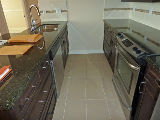 "Photo 3: 415 11935 BURNETT Street in Maple Ridge: East Central Condo for sale in ""KENSINGTON PARK"" : MLS®# R2080652"