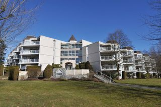 "Photo 2: 417 1219 JOHNSON Street in Coquitlam: Canyon Springs Condo for sale in ""MOUNTAINSIDE PLACE"" : MLS®# R2135462"