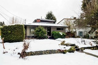 Main Photo: 317 W 19TH Street in North Vancouver: Central Lonsdale House for sale : MLS®# R2138195