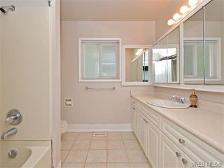 Photo 9: 6320 Elaine Way in VICTORIA: CS Tanner Single Family Detached for sale (Central Saanich)  : MLS®# 375444