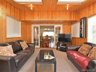 Photo 8: 6320 Elaine Way in VICTORIA: CS Tanner Single Family Detached for sale (Central Saanich)  : MLS®# 375444