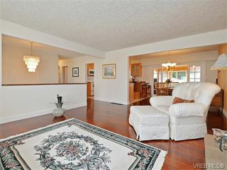 Photo 3: 6320 Elaine Way in VICTORIA: CS Tanner Single Family Detached for sale (Central Saanich)  : MLS®# 375444