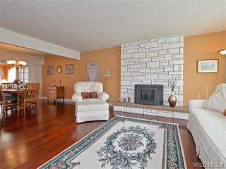 Photo 4: 6320 Elaine Way in VICTORIA: CS Tanner Single Family Detached for sale (Central Saanich)  : MLS®# 375444