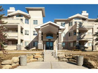 Main Photo: 114 20 COUNTRY HILLS View NW in Calgary: Country Hills Condo for sale : MLS®# C4105701
