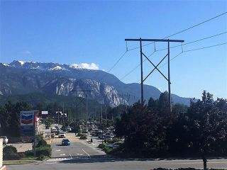 """Photo 13: 201 40437 TANTALUS Road in Squamish: Garibaldi Estates Condo for sale in """"Spectacle"""" : MLS®# R2186040"""