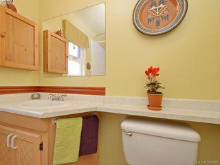 Photo 10: 2434 Dryfe St in VICTORIA: OB Henderson Single Family Detached for sale (Oak Bay)  : MLS®# 764565