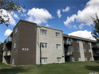 Main Photo: 205 929 Northumberland Avenue in Saskatoon: Massey Place Residential for sale : MLS®# SK705396