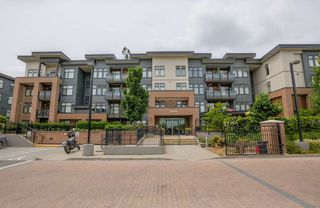 "Main Photo: 209 20058 FRASER Highway in Langley: Langley City Condo for sale in ""VARSITY"" : MLS®# R2214438"