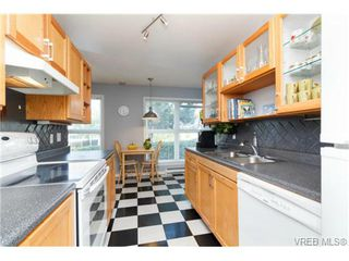 Photo 13: 206 1201 Hillside Avenue in VICTORIA: Vi Hillside Residential for sale (Victoria)  : MLS®# 369934