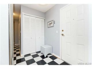 Photo 20: 206 1201 Hillside Avenue in VICTORIA: Vi Hillside Residential for sale (Victoria)  : MLS®# 369934