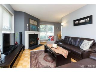 Photo 14: 206 1201 Hillside Avenue in VICTORIA: Vi Hillside Residential for sale (Victoria)  : MLS®# 369934