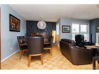 Photo 17: 206 1201 Hillside Avenue in VICTORIA: Vi Hillside Residential for sale (Victoria)  : MLS®# 369934