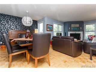Photo 9: 206 1201 Hillside Avenue in VICTORIA: Vi Hillside Residential for sale (Victoria)  : MLS®# 369934