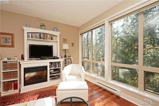 Photo 4: 206 627 Brookside Rd in VICTORIA: Co Latoria Condo Apartment for sale (Colwood)  : MLS®# 781371
