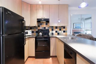 Photo 6: 405 819 HAMILTON Street in Vancouver: Downtown VW Condo for sale (Vancouver West)  : MLS®# R2253213