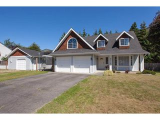 "Photo 2: 5718 245A Street in Langley: Salmon River House for sale in ""STRAWBERRY HILL"" : MLS®# R2291710"