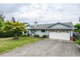 Photo 1: 3265 275 Street in Langley: Aldergrove Langley House for sale : MLS®# R2295724