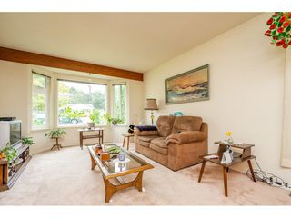 Photo 3: 3265 275 Street in Langley: Aldergrove Langley House for sale : MLS®# R2295724