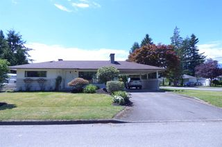 Photo 1: 9687 WOODBINE Street in Chilliwack: Chilliwack N Yale-Well House for sale : MLS®# R2302737
