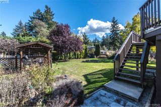 Photo 26: 2271 Moyes Road in VICTORIA: La Thetis Heights Single Family Detached for sale (Langford)  : MLS®# 400629
