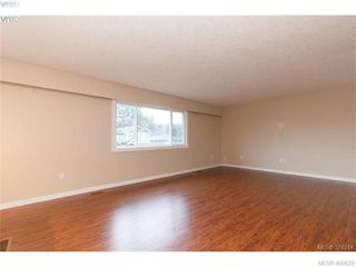 Photo 9: 2271 Moyes Road in VICTORIA: La Thetis Heights Single Family Detached for sale (Langford)  : MLS®# 400629