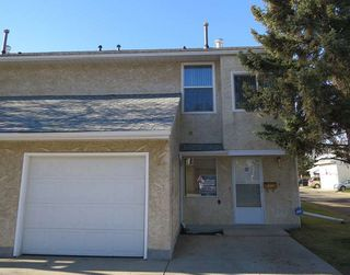 Main Photo: 197 Callingwood Place NW in Edmonton: Zone 20 Townhouse for sale : MLS®# E4133966
