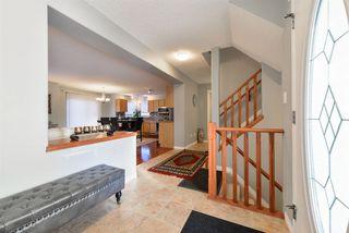 Photo 3: 1704 HODGSON Place in Edmonton: Zone 14 House for sale : MLS®# E4138546