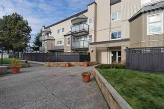 "Main Photo: 113 1850 E SOUTHMERE Crescent in Surrey: Sunnyside Park Surrey Condo for sale in ""SOUTHMERE PLACE"" (South Surrey White Rock)  : MLS®# R2333658"