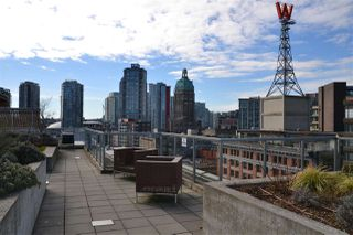 "Photo 15: 809 66 W CORDOVA Street in Vancouver: Downtown VW Condo for sale in ""60 WEST CORDOVA"" (Vancouver West)  : MLS®# R2345288"