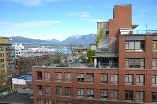 "Photo 1: 809 66 W CORDOVA Street in Vancouver: Downtown VW Condo for sale in ""60 WEST CORDOVA"" (Vancouver West)  : MLS®# R2345288"