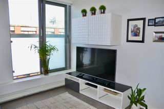 "Photo 5: 809 66 W CORDOVA Street in Vancouver: Downtown VW Condo for sale in ""60 WEST CORDOVA"" (Vancouver West)  : MLS®# R2345288"