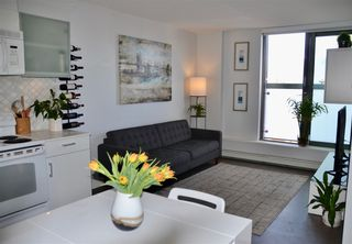 "Photo 3: 809 66 W CORDOVA Street in Vancouver: Downtown VW Condo for sale in ""60 WEST CORDOVA"" (Vancouver West)  : MLS®# R2345288"