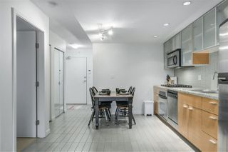 "Photo 5: 907 33 SMITHE Street in Vancouver: Yaletown Condo for sale in ""COOPERS LOOKOUT"" (Vancouver West)  : MLS®# R2348184"