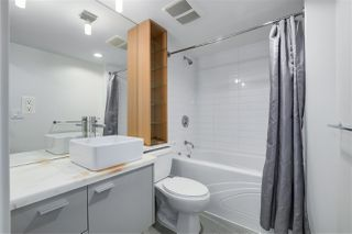 "Photo 10: 907 33 SMITHE Street in Vancouver: Yaletown Condo for sale in ""COOPERS LOOKOUT"" (Vancouver West)  : MLS®# R2348184"