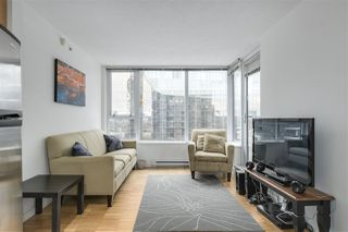 "Photo 4: 907 33 SMITHE Street in Vancouver: Yaletown Condo for sale in ""COOPERS LOOKOUT"" (Vancouver West)  : MLS®# R2348184"