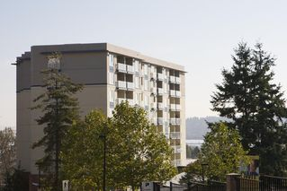 "Photo 1: 804 200 KEARY Street in New Westminster: Sapperton Condo for sale in ""The Anvil"" : MLS®# R2353900"