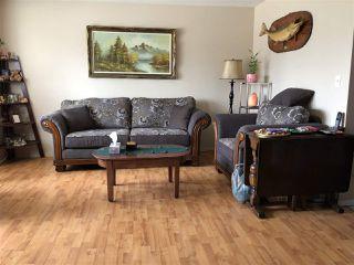 Photo 2: A 4015 53 Street: Wetaskiwin House Half Duplex for sale : MLS®# E4150610