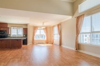 Photo 3: 406 5430 201 Street in Langley: Langley City Condo for sale : MLS®# R2356025