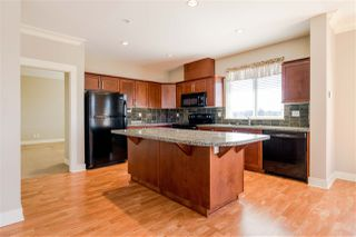 Photo 5: 406 5430 201 Street in Langley: Langley City Condo for sale : MLS®# R2356025