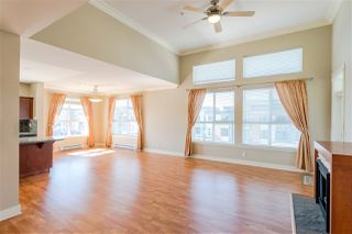 Photo 2: 406 5430 201 Street in Langley: Langley City Condo for sale : MLS®# R2356025
