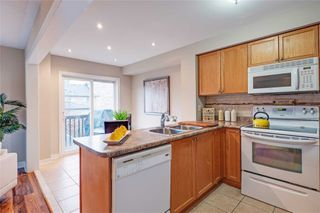 Photo 8: 74 Whitefoot Crescent in Ajax: South East House (2-Storey) for sale : MLS®# E4413541