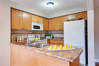 Photo 7: 74 Whitefoot Crescent in Ajax: South East House (2-Storey) for sale : MLS®# E4413541