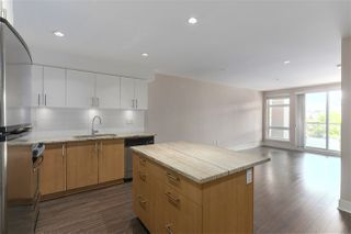 """Photo 10: 301 55 EIGHTH Avenue in New Westminster: GlenBrooke North Condo for sale in """"Eight West"""" : MLS®# R2377360"""