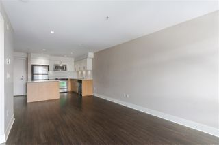 """Photo 7: 301 55 EIGHTH Avenue in New Westminster: GlenBrooke North Condo for sale in """"Eight West"""" : MLS®# R2377360"""