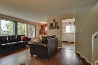 Photo 7: 11009 173A Avenue in Edmonton: Zone 27 House Half Duplex for sale : MLS®# E4160709