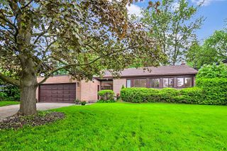 Photo 3: 34 Sanderling Place in Toronto: Banbury-Don Mills House (Bungalow-Raised) for sale (Toronto C13)  : MLS®# C4482488