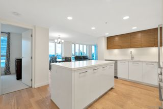 "Photo 6: 808 7333 MURDOCH Avenue in Richmond: Brighouse Condo for sale in ""Park Residences"" : MLS®# R2381259"