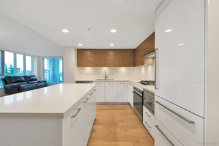 "Photo 7: 808 7333 MURDOCH Avenue in Richmond: Brighouse Condo for sale in ""Park Residences"" : MLS®# R2381259"