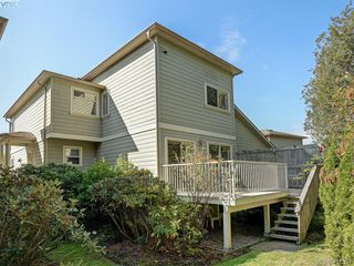 Photo 19: 20 127 Aldersmith Place in VICTORIA: VR Glentana Row/Townhouse for sale (View Royal)  : MLS®# 415501